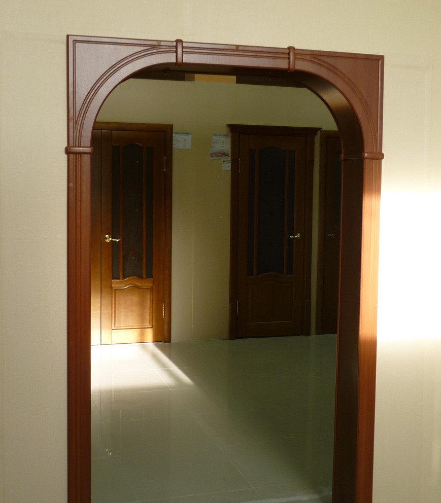 Арка рядом с дверью фото